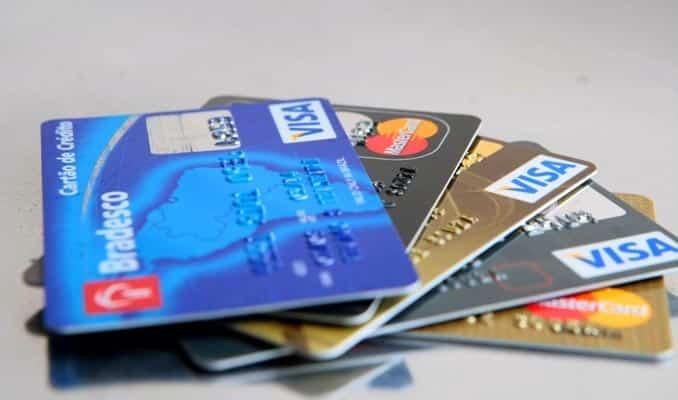 instrutor financeiro erros do cartão de crédito